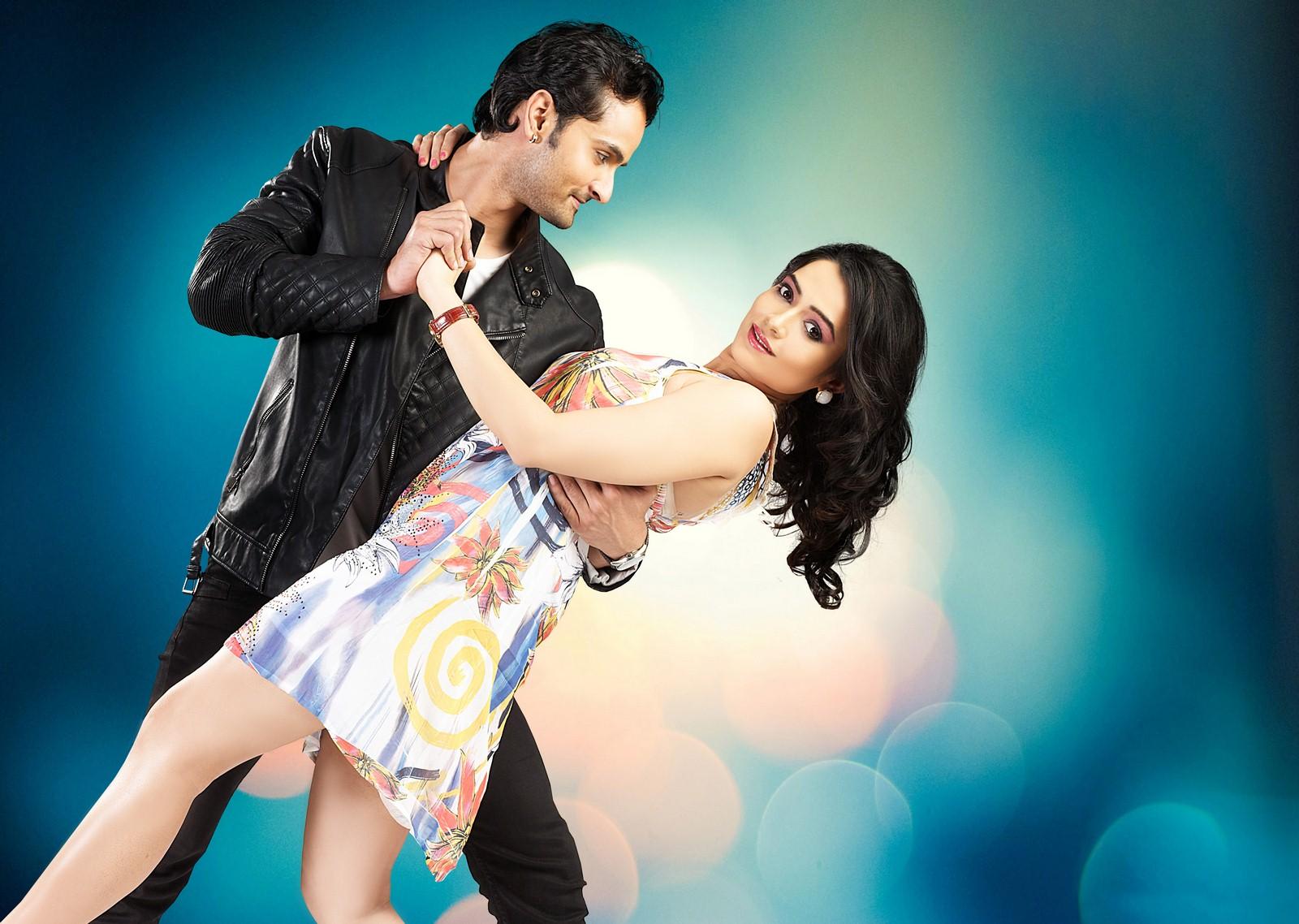 Rishank Tiwari & Samiksha Bhatnagar in Love ke Funday