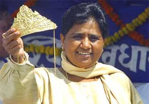 mayawati-with-giolden-crown
