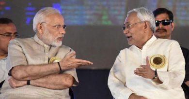 नीतीश ने सीधा प्रधानमंत्री नरेंद्र मोदी पर निशाना साधा; अब महागठबंधन की  ओर